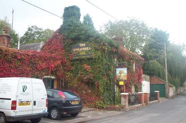 4x3 lower woodford wheatsheaf.jpg (15988 bytes)